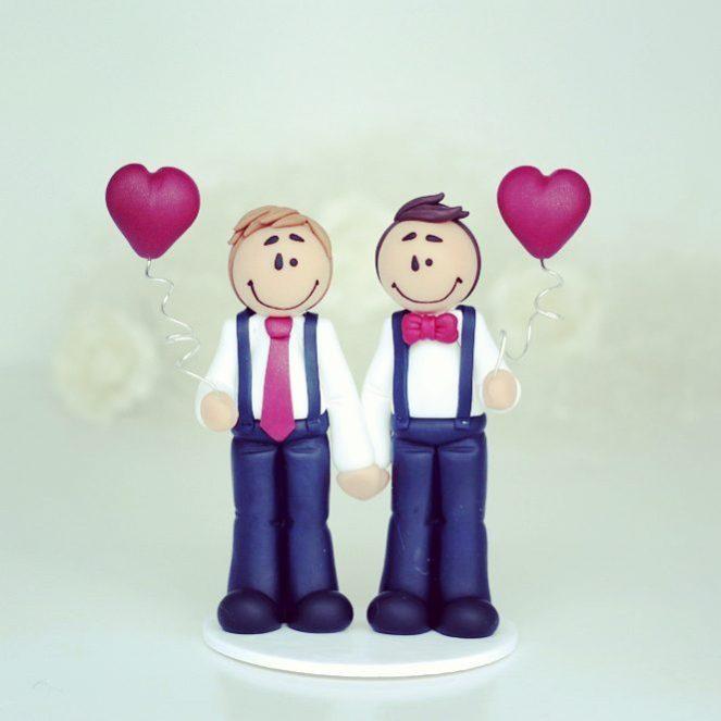 #caketopper #gaycaketopper #weddingcaketopper #polymerclay #fimo #handmade #craft #atelierlittlemandarine #etsy #etsyfr #nomold